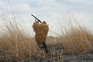 Охотник на охоте на утку