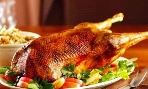 Способы приготовления гуся в духовке целиком